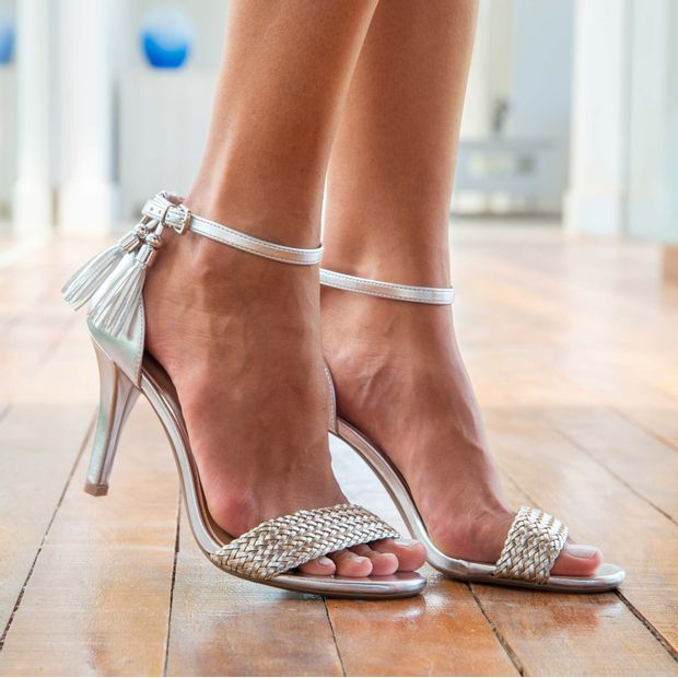 Sandalia-salto-fino-metal-glam---35