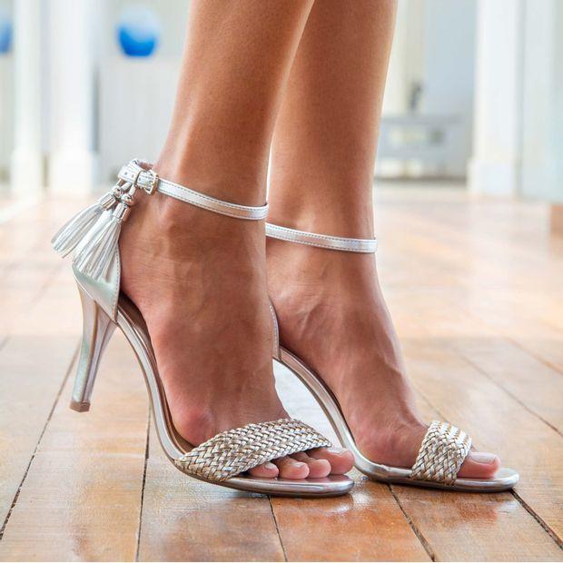Sandalia-salto-fino-metal-glam---36