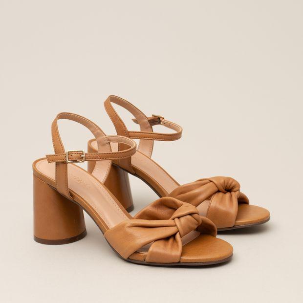 Sandalia-couro-soft