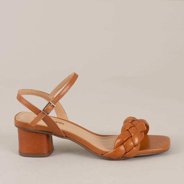 Sandalia-couro-tira-trancada---37