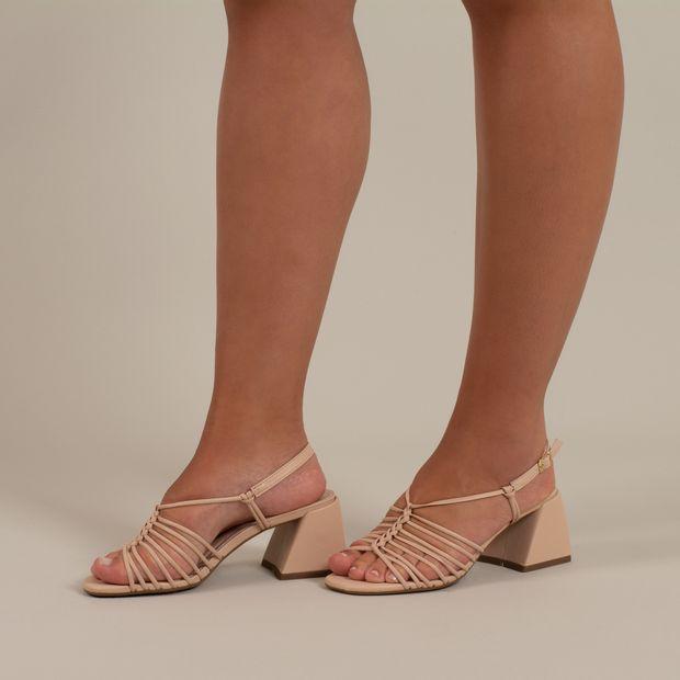 Sandalia-salto-bloco-tiras-finas