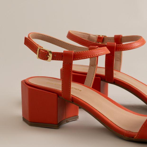 Sandalia-baixo-salto-encaixado---34