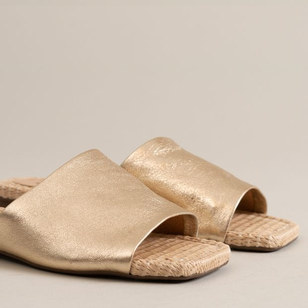 Rasteira-couro-soft-ouro-light---38
